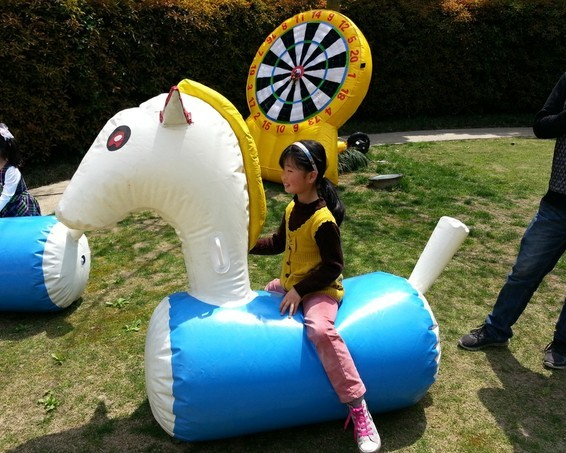 Inflatable horse充气马